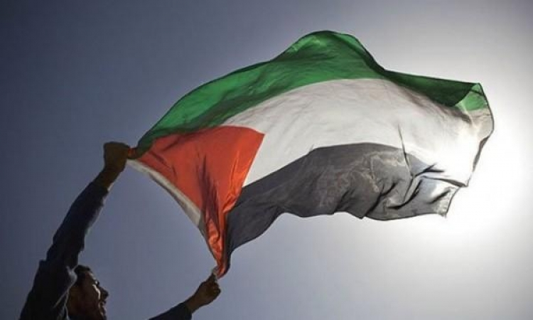 من يتحدث بإسم فلسطين ؟!